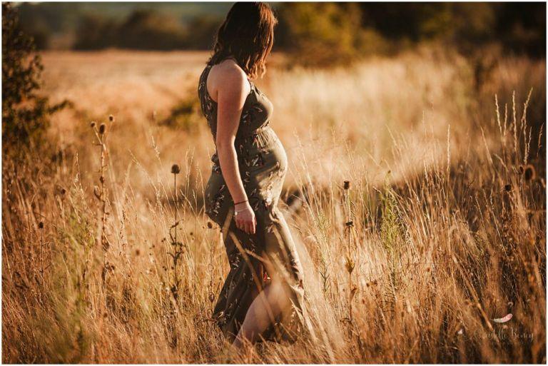 femme enceinte champs